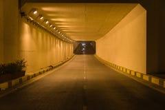Zaświeca przy końcówką ruchu drogowego tunel w Hanoi, Wietnam Zdjęcie Royalty Free