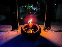 Zaświecająca diya lampa Gliniany diya tradycyjny diwali festiwal Obraz Royalty Free