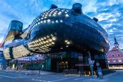 Zaświecający Kunsthaus Graz W wieczór - Graz, Austria Fotografia Royalty Free