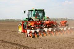 Zaaiende tractor Royalty-vrije Stock Afbeelding