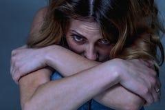 Zaakcentowana biznesowej kobiety depresja, frustracja, niepokój, worri zdjęcia stock