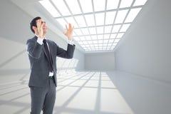 Zaakcentowany biznesmen z rękami podnosić Obraz Stock