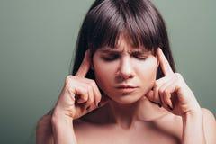Zaakcentowany sfrustowany zmęczony emocji kobiety portret zdjęcia royalty free