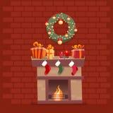 Zaal binnenland met Kerstmisopen haard met sokken, decoratie, giftdozen, candeles, sokken en kroon op achtergrond van donkerrood royalty-vrije illustratie