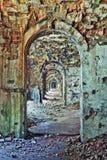 Zaal binnenland in verlaten vesting Stock Afbeelding