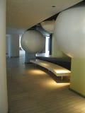 Zaal eersteklas hotel. Stijlhi-tech, ruimte. Stock Afbeelding