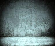 Zaal met grunge concrete muur, cementvloer Royalty-vrije Stock Afbeeldingen