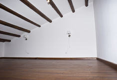 Zaal met hardhoutvloeren Stock Fotografie