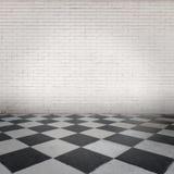 Zaal met schaakbordvloer Stock Fotografie