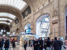 Zaal van het station van Stazione Milaan Centrale royalty-vrije stock foto