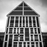 ZAANDAM, DIE NIEDERLANDE - 13. JUNI 2016: Allgemeine Landschaftsansichten in traditionelle Architektur von Zaan-Region in der Däm Lizenzfreie Stockbilder