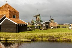 Zaandam holandie - Grudzień 10, 2009: Zaanse Schans - na wolnym powietrzu muzeum w miasteczku Zaandam, Europa fotografia stock