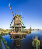 Zaanse Schans历史的风车在阿姆斯特丹,荷兰 免版税库存图片