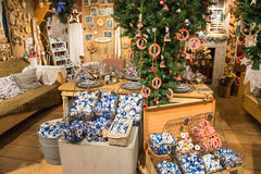 Zaanse Schans, Países Baixos - 13 de dezembro de 2016: Decorações na vila de Zaanse Schans, Holanda Imagem de Stock