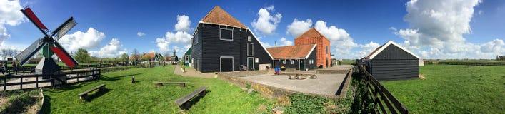 Zaanse Schans, Países Baixos 360 graus de vista panorâmica do windmi Fotografia de Stock