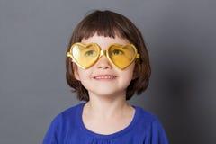 Zabawa dzieciaka szkieł pojęcie dla marzyć preschool dziecka fotografia royalty free