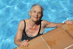 zabawa ma starszej kobiety Obraz Royalty Free