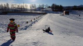 Zabawa w śniegu przy Sjusete, Hardanger Zdjęcia Royalty Free