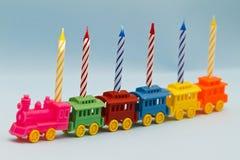 zabawek pociąg urodzinowe świeczki Obrazy Stock