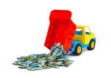 Zabawkarska ciężarówka z łamigłówką zdjęcia royalty free