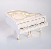 zabawkarska pozytywka lub pianino pozytywka na tle Obraz Stock