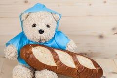Zabawkarski niedźwiedź ma śniadanie Obraz Stock