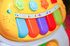 Zabawkarski pianino zdjęcia royalty free