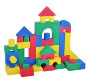 Zabawkarskich plastikowych sześcianów duży wierza Fotografia Royalty Free