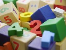 Zabawkarskie drewniane liczby Obrazy Stock
