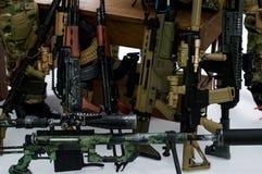 Zabawkarskiego żołnierza pistolety Zdjęcie Royalty Free