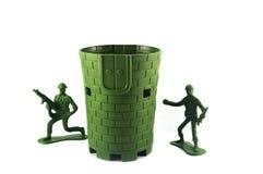Zabawki 2 żołnierze i militarna baza Obraz Stock