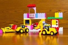Zabawki dla chłopiec Buldożer, ciągnik Obrazy Stock