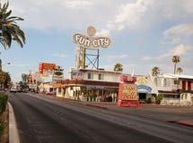Zabawy miasta motel i kaplica Dzwony w Las Vegas fotografia stock