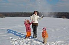 zabawy rodzinna zima Obrazy Stock