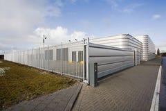 Zabezpiecza metalu przemysłowego budynek Zdjęcia Stock
