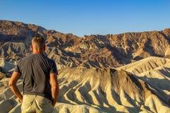 Zabriskie-Punkt ist ein Teil Amargosa-Strecke gelegen ?stlich Death Valley in Nationalpark Death Valley in Kalifornien stockfotografie