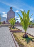 Zabytek środek drzewka palmowe i świat Obraz Royalty Free