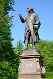 Zabytek filozof Immanuel Kant przeciw backgroundof niebo Kaliningrad Obrazy Royalty Free