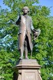 Zabytek filozof Immanuel Kant w jaskrawym wiosna dniu Kaliningrad Fotografia Stock