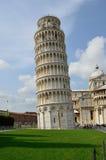 Oparty wierza, Pisa, Włochy Zdjęcia Stock