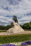 Zabytek Peter Wielki na ogromnym granitowym piedestale St Petersburg Rosja zdjęcie royalty free