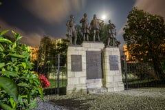 Zabytek upamiętnia ofiary pierwsza wojna światowa i druga wojna światowa obrazy stock