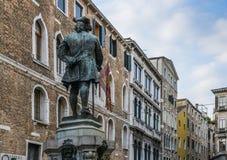 Zabytek Włoski dramatopisarz, Carlo Goldoni, Wenecja, Włochy obrazy royalty free