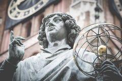 Zabytek wielki astronom Nicolaus Copernicus, Toruński, Polska Zdjęcia Stock
