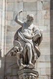 Zabytki przy fasadą katedra Milano, Duomo di Milano, fotografia stock