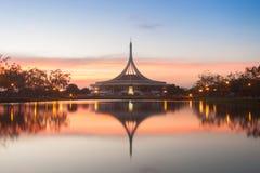 Zabytku park Thailand publicznie Mroczny mknący reflectio zdjęcie stock