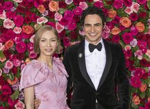 Zac Posen at 2018 Tony Awards. Fashion designer Zac Posen and writer and editor Tavi Gevinson arrive on the red carpet for the 72nd Annual Tony Awards held at Stock Image