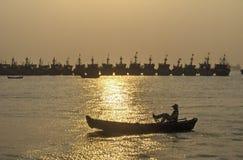 zachód słońca na łodzi obrazy royalty free