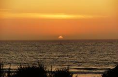 zachód słońca nad ocean Zdjęcia Royalty Free