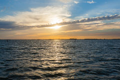 zachód słońca nad wodą Fotografia Stock